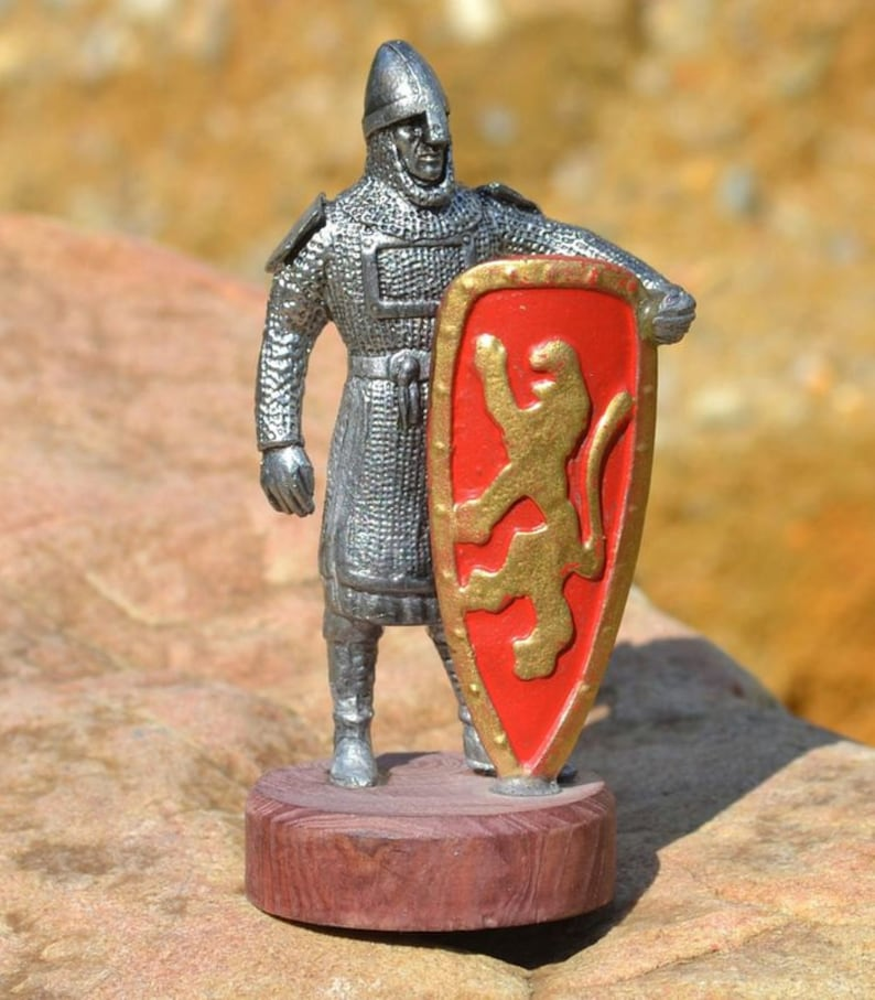 NORMAN KNIGHT TIN Statue Figure Zinnfiguren Figures Military History  Medieval Middle Ages Painted Miniature