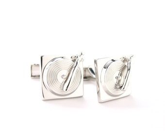 Old-school Turn Table DJ Record Player Cufflinks Silver Tone 3D Cuff Links Turntable Comes with Gift Box