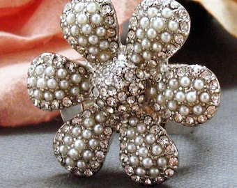 Pearl Flower Stretch Ring Sparkling Silver Toned Blooming Flower White Pearls Ring