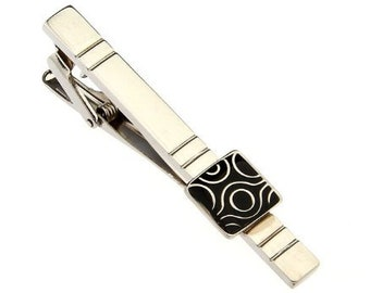 Silver Black Enamel TIe Bar Etched Repeating Groove with Tribal Design Men Tie Clip Very Cool Comes with Gift Box