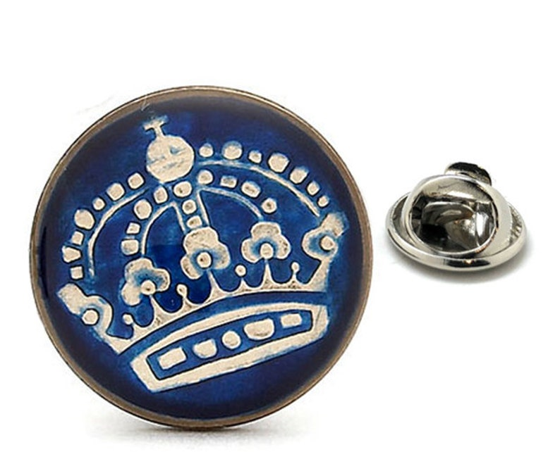 Enamel Pin Swedish Enamel Coin Lapel Pin Tie Tack Collector Pin Royal Blue Silver Crown Travel Souvenir Hand Painted Sweden Coins Cool