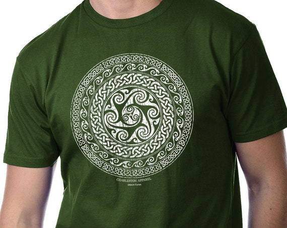 Celtic Circle, Celtic Knot Short Sleeve Forest Green Shirt, Unisex Sizes, Irish Design, St Patrick's Shirt, gift for him or her
