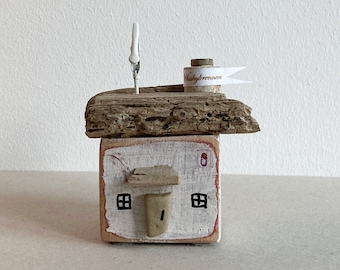 decorative wooden house whiskey distillery driftwood picture holder grey 8 cm