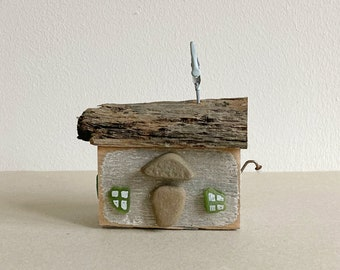 wooden house barn driftwood scrap wood deco 8 cm