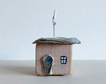 wooden house cottage made of driftwood deco art rose 6 cm