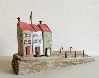 decoration deco with 3 wooden house made from drift wood 29 cm