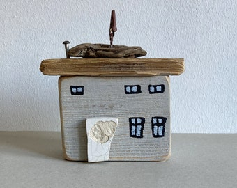 wooden house made of driftwood wood garage grey 11 cm