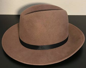 Tan Fedora, Vintage in excellent condition,Panama Peachfelt Hat