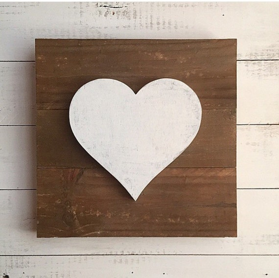 Wooden Distressed Heart Sign