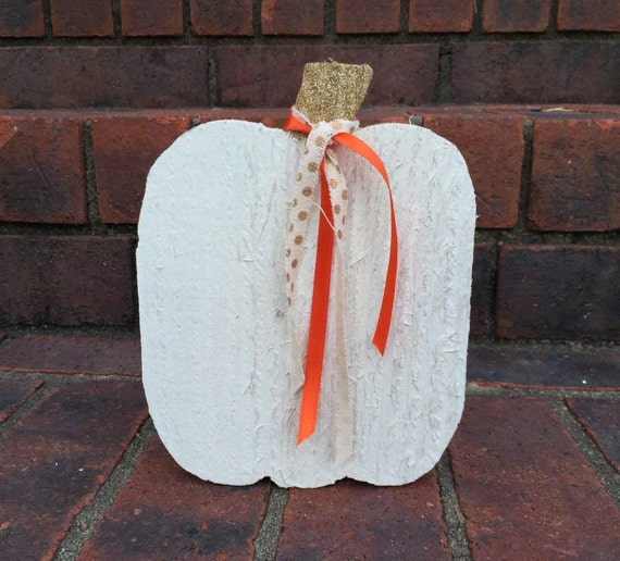 Wooden Mini Pumpkin in White