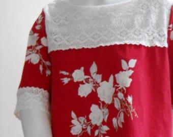 Vintage Wilendur red printed tablecloth top blouse shirt lace yoke xl