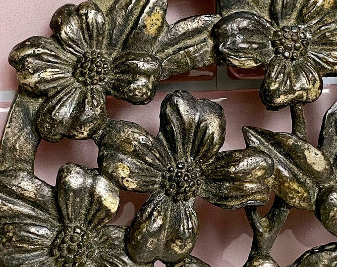 Metal Floral Wall Decor found by Willabird Designs Vintage Finds