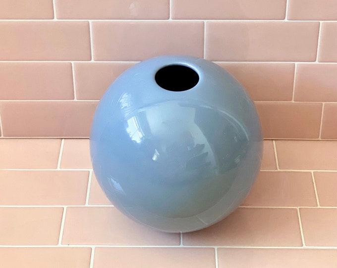 Round Blue Vase found by Willabird Designs Vintage Finds