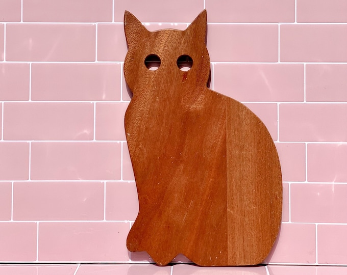 Cat Wooden Cutting Board or Trivet found by Willabird Designs Vintage Finds