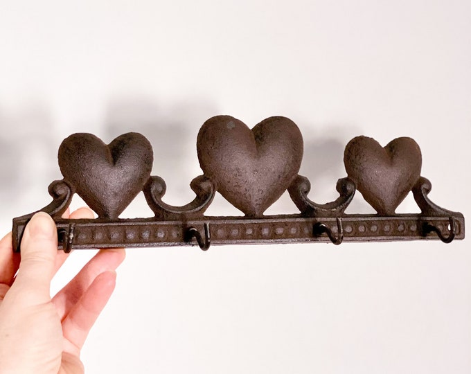 Metal Heart Entry Hooks found by Willabird Designs Vintage Finds