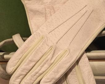 Vintage Ladies Cream Leather Backed Smart Costume Gloves -Vintage Debenhams circa 1970s- Size 7 1/2
