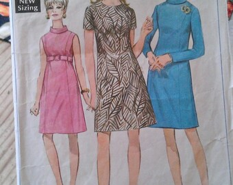 """Vintage 1960s Simplicity Sewing Pattern- Shift Dress- Size 12 Bust 34""""/85 cm"""