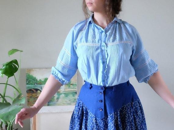 Chaco 70s Vintage blouse blue white floral hand em