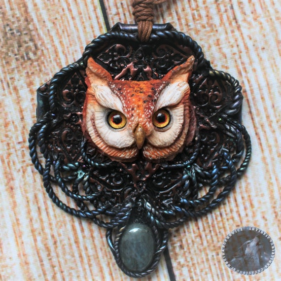 Beautiful necklace with an Owl and natural labradorite