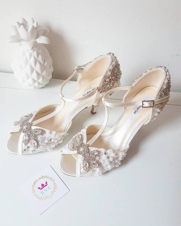 Bridal shoes, peep toe shoes, vintage shoes,bridal shoes, crystal ivory shoes,wedding, bride shoes, crystal shoes, shoes,pearls, shoes, b7c6a6