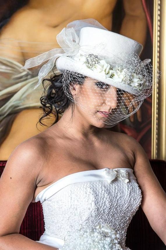 Top hat Ivory veil altertinative bride rockabilly  14972624b39
