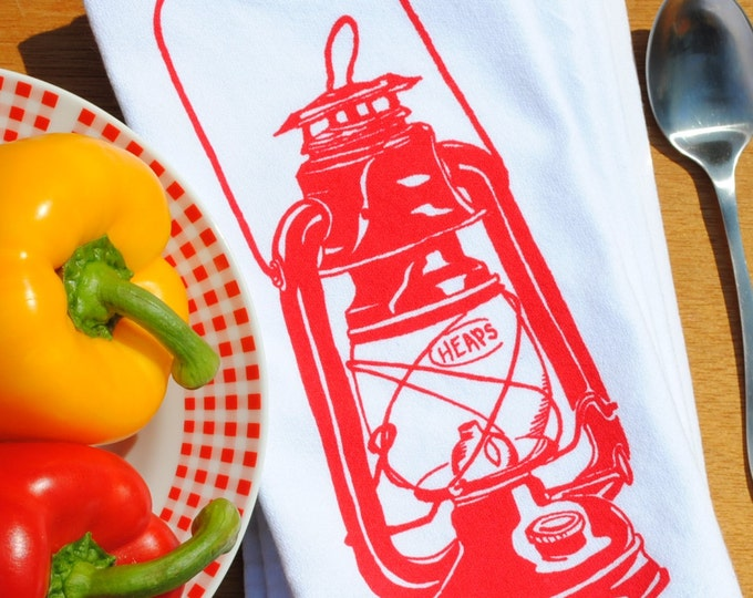 Red Oil Lantern Cotton Napkins - Country Dinner Napkins - Country Linens - Cottage Life - Washable Reusable - Unique House Warming Gift Idea