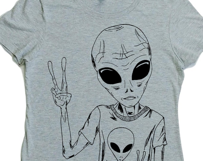 Sci Fi Tshirts for Woman - Space Alien Tshirt - Hipster Clothing - Hippy Clothes - Womens Gift - Girlfriend Gift - Nerd Tshirt - Grey