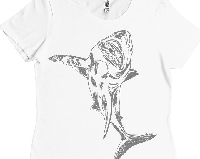 Woman TShirt - Regular Fit Tee - Great White Shark Tshirt - Printed T Shirts - Cool Womens Tops - Gifts for Girlfriend - Best Friend Gift