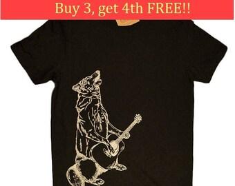 Mens Funny TShirt - Howling Wolf T Shirt - Mens Gift - Boyfriend Tshirt - Funny T Shirts - Musician TShirts - Guitar Player Tee Shirt