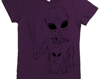 Womens TShirt - Alien Peace Sign - Womens Sci Fi Tshirts - Funny Tshirts - Alien Tshirts - Summer Shirts - Fun Fashion - Hipster Clothing