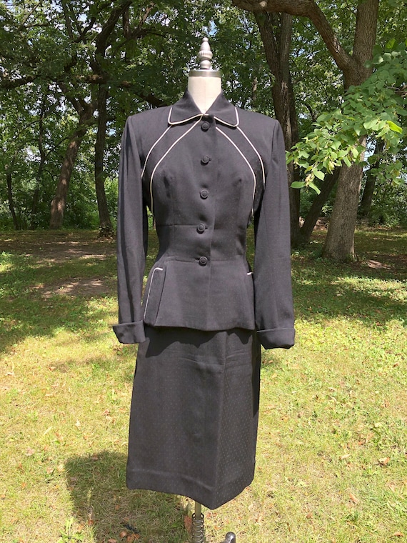 exquisite 1940s LIlli Ann black wool skirt suit wi