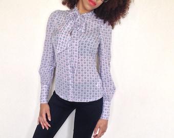 Vtg 90's BIBA light grey patterned bow tie neckline SILK blouse XXS