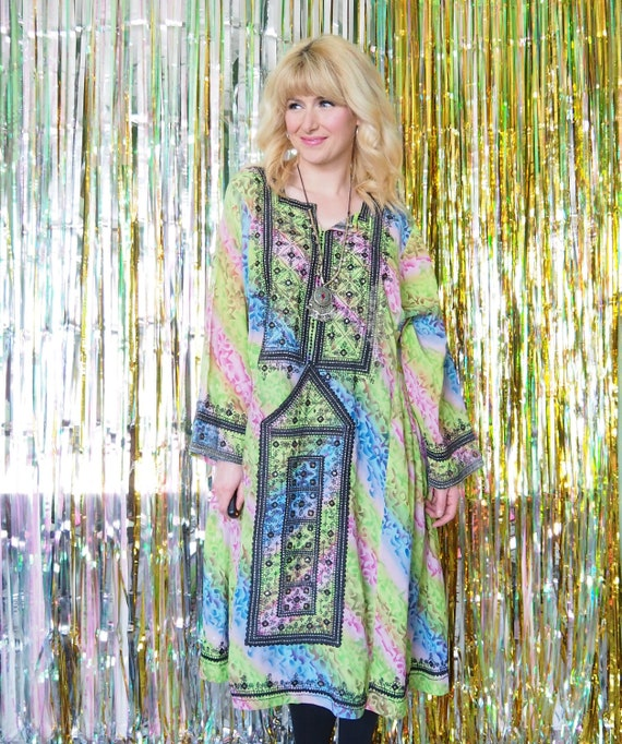 1970s EMBROIDERED KAFTAN - Balouch Tribe Gypsy Dre