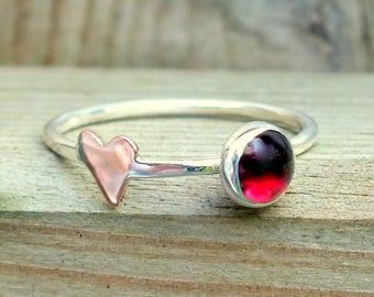 Silver ring, silver heart ring, silver garnet ring.