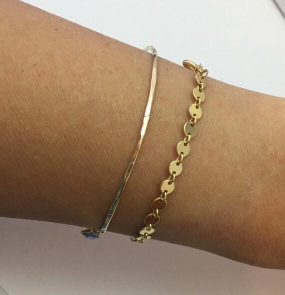 Wife Personalized Disc Letter Bracelet Custom Bracelet Gift for Her Dainty Disc Bracelet Tiny Disc Initial Bracelet Minimalist Bracelet