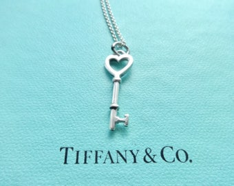 Tiffany & Co. Vintage and Estate Jewelry di BlondeeesTreasures