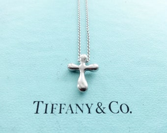 806898a49 Authentic Tiffany & Co. Elsa Peretti Vintage Sterling Silver Cross Pendant  Chain Necklace, 16