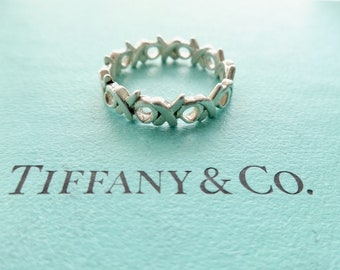 ce7693b5b Authentic Tiffany & Co. Paloma Picasso Graffiti Love and Kisses Ring  Sterling Silver Thin XO Band Ring Size 6.5