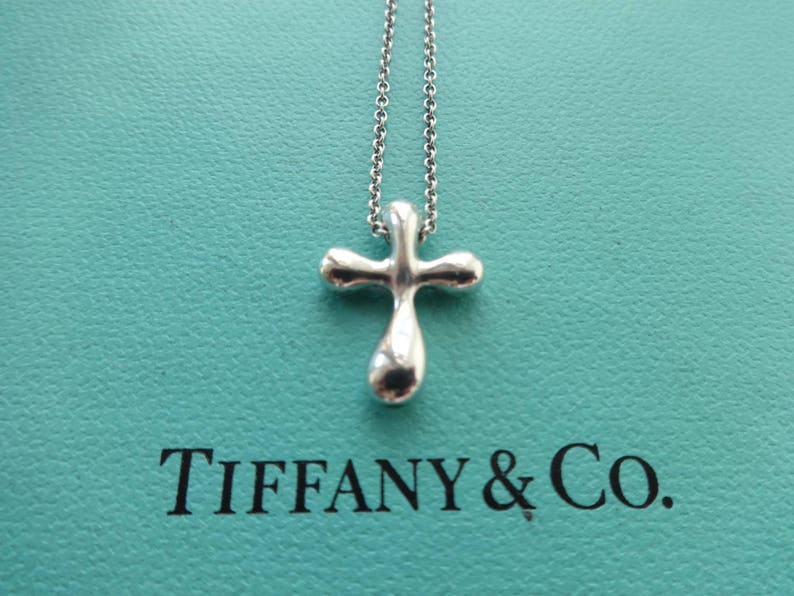41d2f4a061675 Authentic Tiffany & Co. Elsa Peretti Vintage Sterling Silver Cross Pendant  Chain Necklace