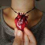 Anatomy heart necklace. Human heart necklace. Anatomy heart. Human heart. Gothic. Gothic jewelry. Halloween. Creepy.