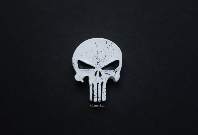 The punisher brooch. Skull brooch. The punisher. Skull. Skull image 0
