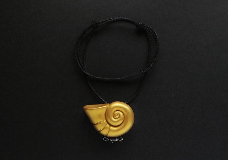 Shell necklace. Ursula shell. Disney necklace. Ursula. The image 0