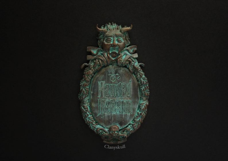 The Haunted Mansion magnet. The Haunted Mansion. WDW magnet. image 0