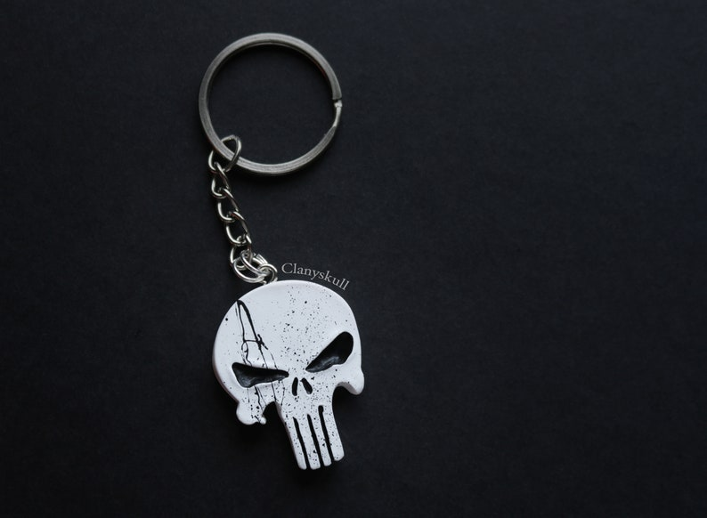 The punisher keychain. The punisher. Skull keychain. Skull. image 0