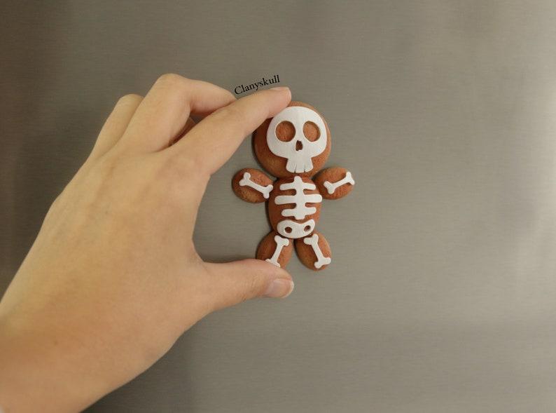 Magnet gingerbread man. Gingerbread man skeleton. Magnet image 0