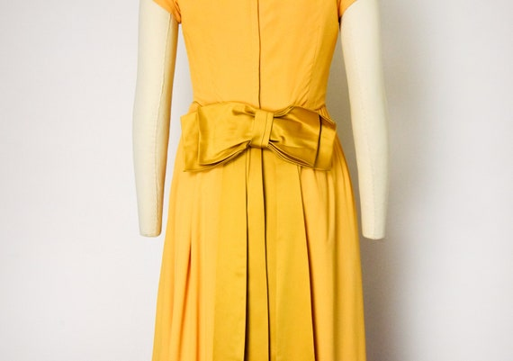 1960s Marigold Gown - image 6