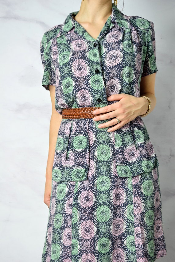 1940s Chrysanthemum Print Cold Rayon Day Dress 31… - image 7