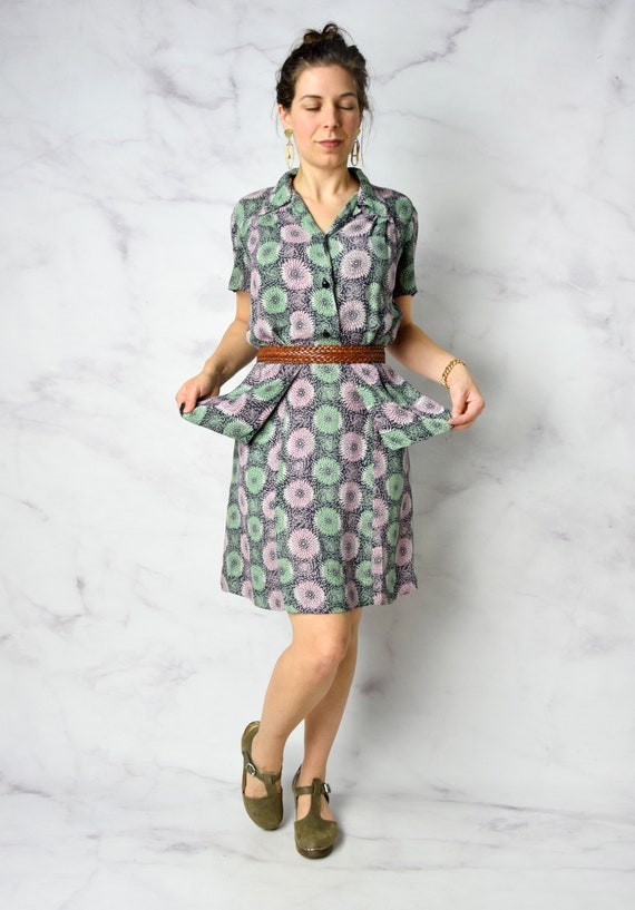 1940s Chrysanthemum Print Cold Rayon Day Dress 31… - image 8
