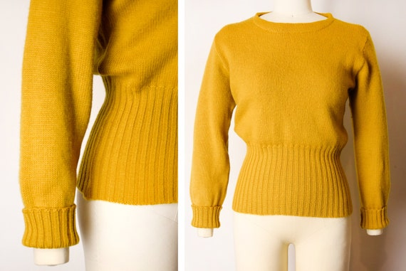 1940s Mustard Pullover Sweater Size Small 40s Wool