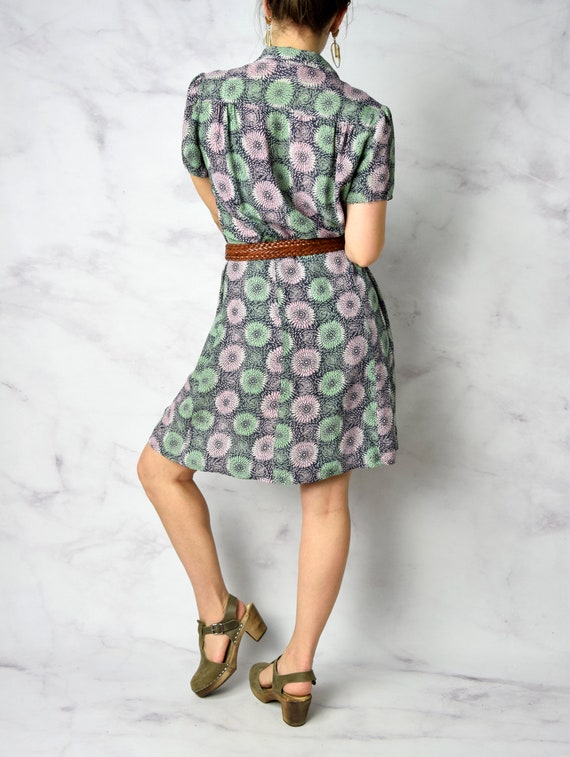 1940s Chrysanthemum Print Cold Rayon Day Dress 31… - image 6